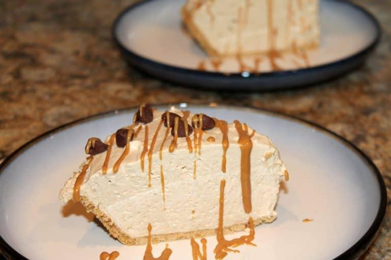 Пирог из арахисовой пасты готов